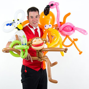 Balloon artist Jerry the Balllonheer