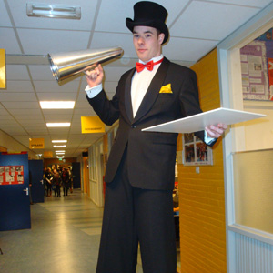 Stiltwalker: gentlemen