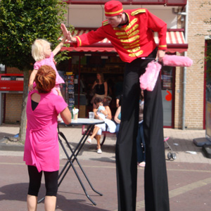 Bellboy stiltwalker